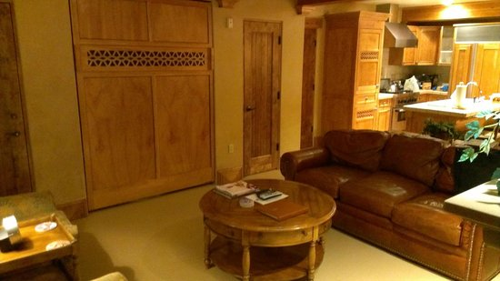 The Chateaux Deer Valley: Murphy bed