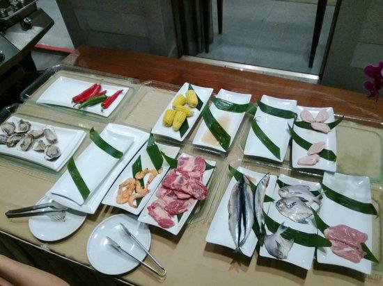 Royal Tulip Carat Guangzhou: Это ВЕСЬ набор продуктов для барбекю-гриля. Максимальное количесво за ТРИ вечера.