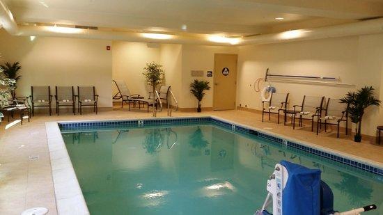 Hampton Inn Union City: Heated Indoor Pool