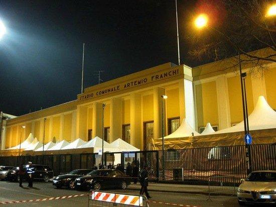 Stadio Artemio Franchi: Outside the stadium