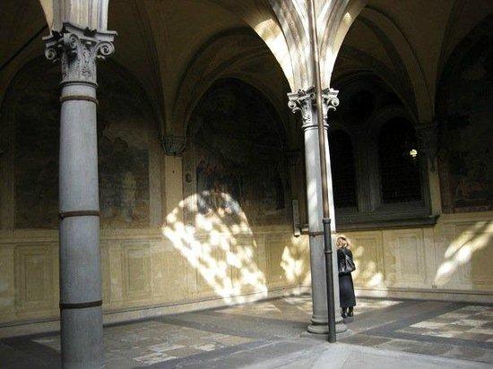 Basilica della Santissima Annunziata - Chiesa di Santa Maria della Scala: Entry room to Santissima Annunziata