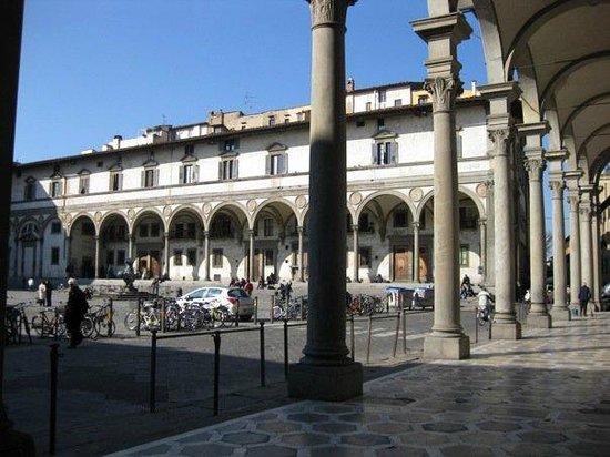 Basilica della Santissima Annunziata - Chiesa di Santa Maria della Scala: Piazza della Santissima Annunziata