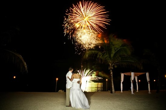 Coconut Cove Resort and Marina: Beautiful Fireworks displays for your wedding