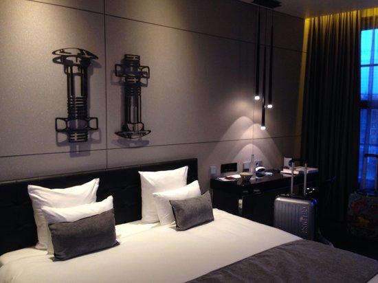 Art'otel Amsterdam: Bellissima camera da letto con vista