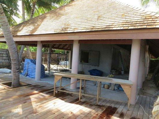 Veligandu Island Resort & Spa : Baustelle der neuen Bar