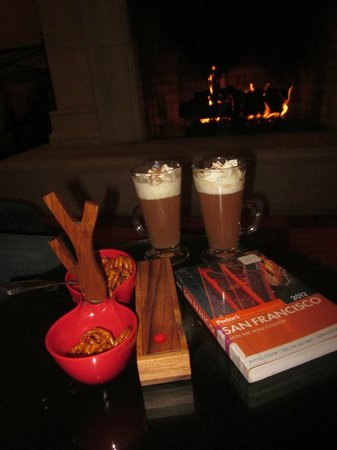 Harbor Court Hotel : hot toddies by the fire place