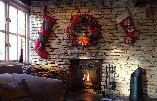 The Plough Inn Restaurant: Festive Fireside