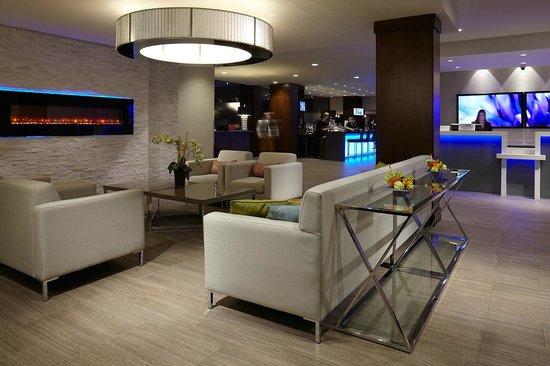 Delta Hotels Kingston Waterfront: Lobby