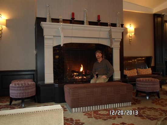 The Tuscan : Fireplace