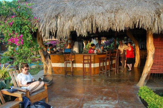 Canoa Beach Hotel: Bar area