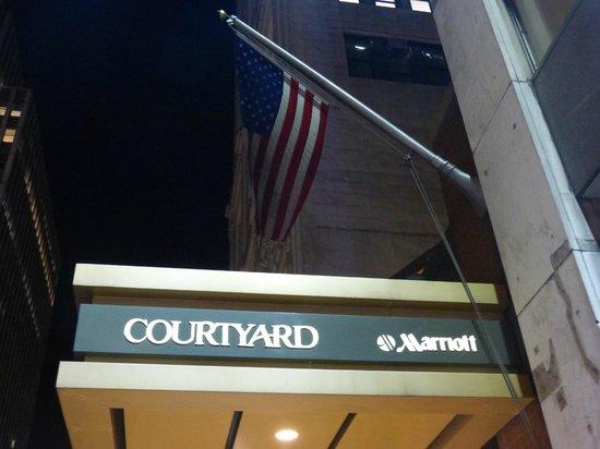 Courtyard New York Manhattan/Times Square: Extérieur