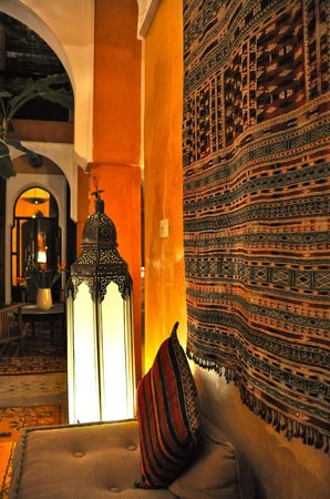 Riad Dar Attajmil: courtyard