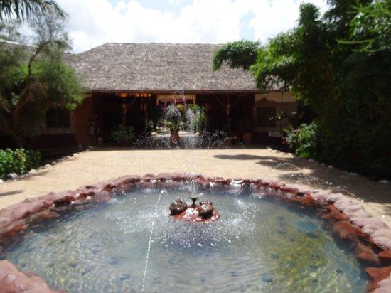 Sentrim Amboseli : Entry