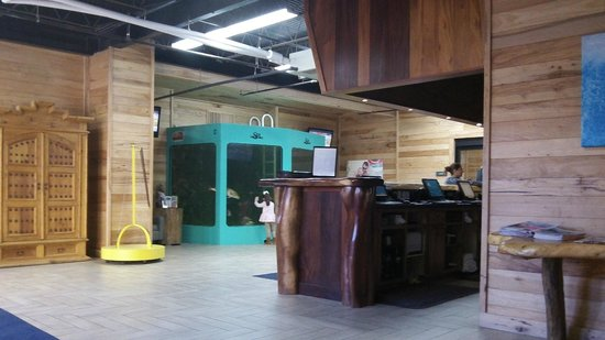Schlitterbahn Beach Resort: The check in desk