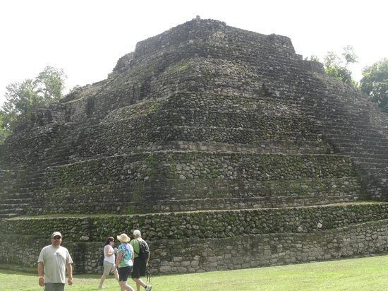 The Native Choice Tours: Other view of pyramid