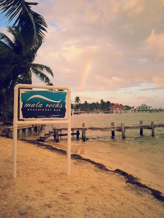 Mata Rocks Resort: Fleeting rainbow