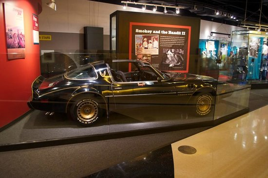 Country Music Hall of Fame and Museum : Smokey and the Bandit exhibit.