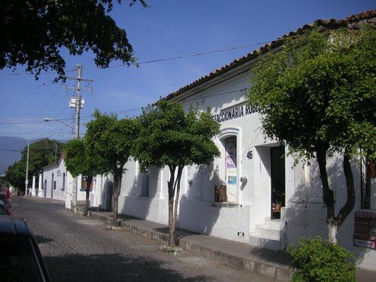 Casa Alvarada : City Scene Comala