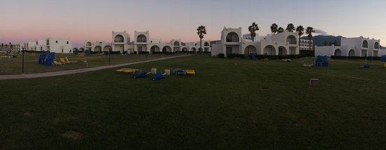 The Aeolos Beach Hotel : вид на отель