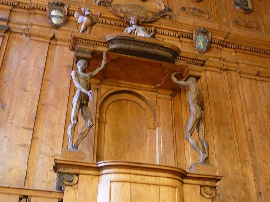 Teatro Anatomico Holzvertäfelung und Skulpturen