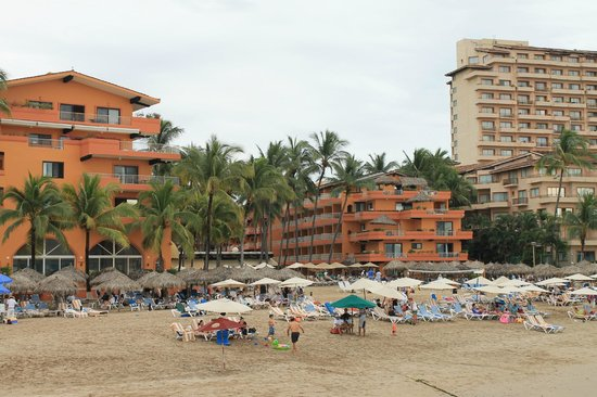 Villa del Palmar Beach Resort & Spa: View of hotel from