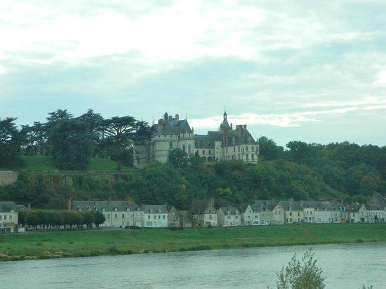 La Loire : Château de Chaumont-sur-Loire from Loire River