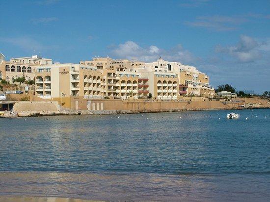 Marina Hotel Corinthia Beach Resort: esterno