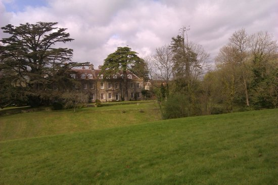 Holbrook House Hotel: Rear of tthe hotel from the private path