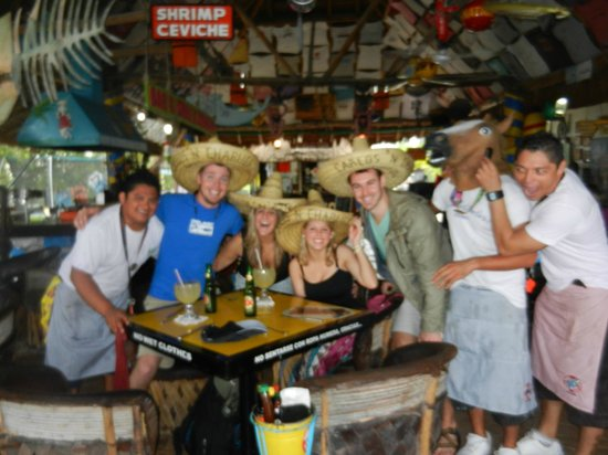 Carlos N Charlie S Beach Club Con La Mascota