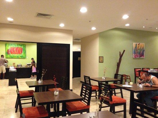 Residence Inn by Marriott San Jose Escazu: Comedor