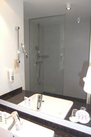 Mercure Hotel Koblenz: Badezimmer