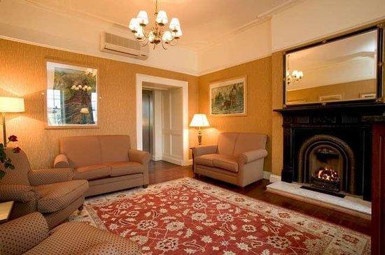Baileys Hotel Cashel: lobby