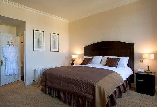 Baileys Hotel Cashel: room1