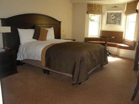 Baileys Hotel Cashel: room2