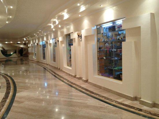 Coral Hills Resort Marsa Alam: Магазины в отеле