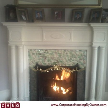 The Colonial B&B At Stamford : Roaring fireplace