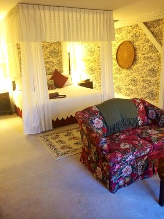 Fairville Inn Bed and Breakfast : Carriage House Suite 2