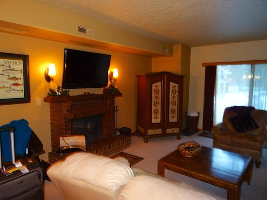 Park Station Resort Condominium: Family Room