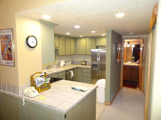 Park Station Resort Condominium : Kitchen