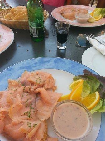 Hula hula beach bar: Smoked Salmon