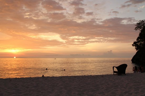 Shangri-La's Boracay Resort & Spa: sunset