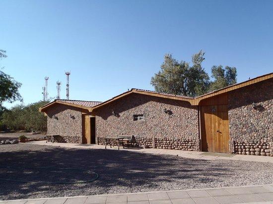 La Casa de Don Tomas: Les bâtiments à côté de la piscine où se trouvent certaines chambres, silencieux et agréable