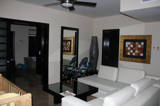Very Nice Living Space One Bedroom Suites Foto Di The Fives Azul Beach Resort Playa Del Carmen