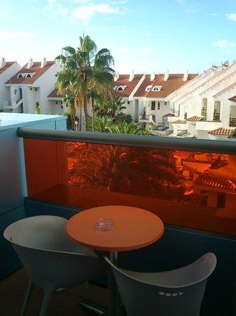 Paradise Park Fun Lifestyle Hotel: terraza hacia la zona de piscina