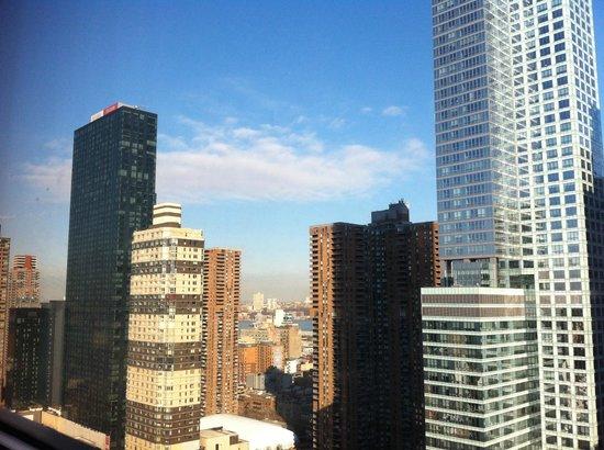 Four Points by Sheraton Midtown - Times Square: Vista dalla camera