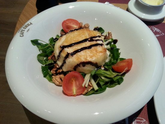 Hotel UNIC Prague: Salad with goat cheese