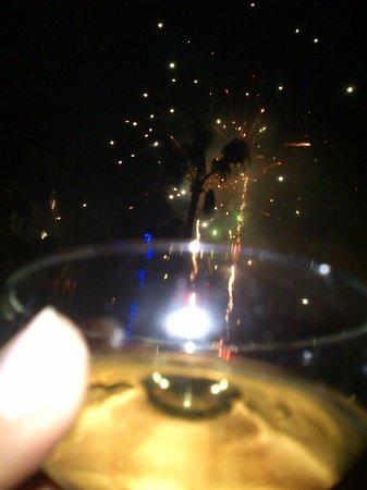 Paradise Park Fun Lifestyle Hotel: fiesta fin de año, fuegos artificiales en la piscina