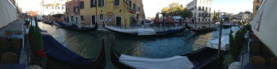 HOTEL OLIMPIA Venice : Canal view from outside the hotel's main entrance