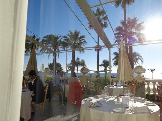 Carlton Restaurant: веранда