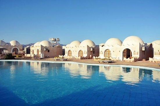Lagona Dahab Hotel: View accross the pool from our room